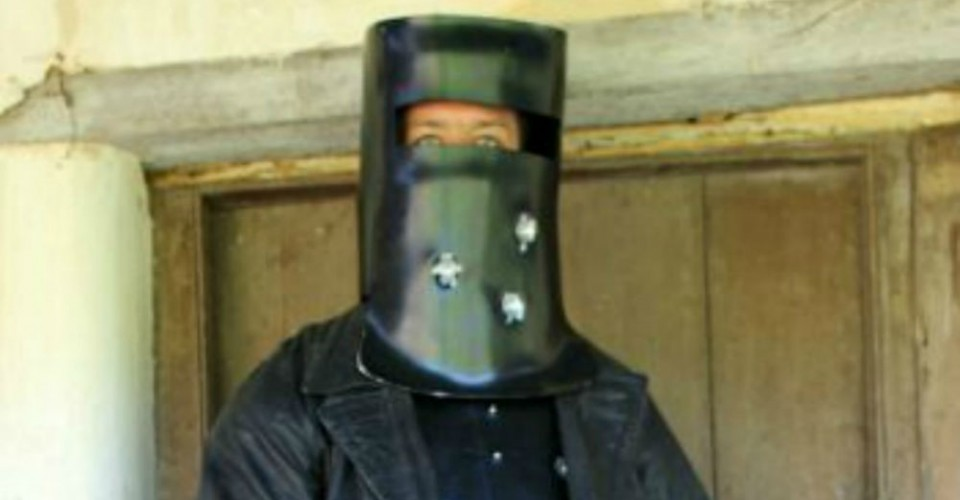 ned kelly hero or villain Ned kelly: freedom fighter or villain ned kelly directed by gregor jordan based on robert drewe does ned kelly deserve the hero status he enjoys in.