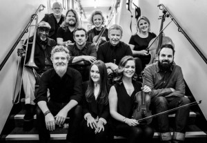 Glen Hansard and his Fellow Musicians - Image by Conor Masterson - The Clothesline