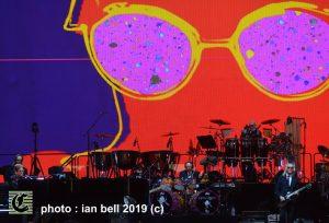 ELTONJOHN2019_11_IMAGE-IanBell_TheClothesline